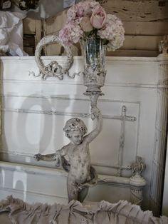 Gorgeous cherub & flowers