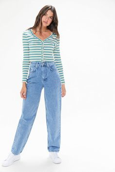 2020 jeans outfits 2020 trendy jeans jackets and outfits . Vintage Jeans, Jean Vintage, Cute Casual Outfits, Retro Outfits, Grunge Outfits, Indie Outfits, Girl Outfits, Outfit Jeans, High Waisted Baggy Jeans