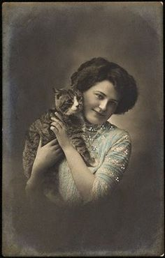 Edwardian woman with her cat