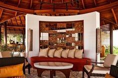 Malediven Insel Halaveli im Nord Ari Atoll: Traumurlaub in einem Hotel am Strand