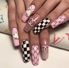Summer Acrylic Coffin Nails Art Ideas For You - Nail Art Connect Summer manicures need a variety of colors. Coffin nails have always been the nail style for trendy girls because of Cute Acrylic Nail Designs, Best Acrylic Nails, Summer Acrylic Nails, Acrylic Art, Summer Nails, Edgy Nails, Stylish Nails, Swag Nails, Grunge Nails