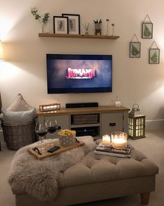 Cosy Sunday night in with red wine, snacks, candlelight and my current favourite film!👌🏼 If you haven't seen the new Jumanji film then yo… Living Tv, New Living Room, Home And Living, Red Living Room Decor, Cosy Living Room Small, Country Style Living Room, Living Room Accessories, Lounge Decor, Cosy Lounge Ideas