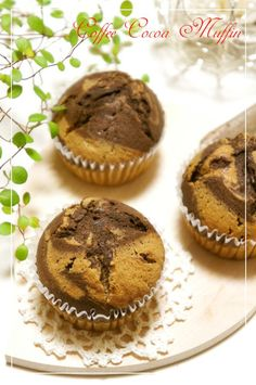 Coffee & Chocolate Marbled Muffins❀  ❀Coffee & Chocolate Marbled Muffins❀ These are cafe mocha muffins with coffee and cocoa powder♡ They are crispy on the outside, fluffy on the inside, and are very delicious♬ Ingredients(6 muffins) Egg 1 Sugar 70 g Milk 55 g Instant coffee 1 tablespoon ●Cake flour 110 g ●Baking powder 3 g Butter 30 g Vegetable oil 30 g Cocoa powder 1 teaspoon (heaping) Black cocoa powder 1 teaspoon (level)
