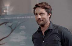 Martin Henderson, Shows On Netflix, Greys Anatomy, Hot Guys, River, Yellow, Grey's Anatomy, Rivers