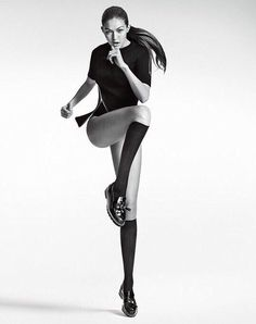Gigi Hadid Featured in Stuart Weitzman Fall Campaign High Fashion Poses, Fashion Model Poses, Fashion Models, Stuart Weitzman, Manila, Kendall Jenner Photos, Fashion Photography Poses, Img Models, Photo Poses