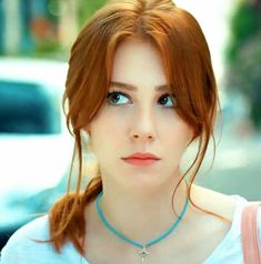 Jada Zheng 18 and friend. I'm a diva and a case 3 waitress. Stunning Redhead, Beautiful Red Hair, Beautiful Girl Image, Photographie Portrait Inspiration, Red Hair Woman, Cute Girl Face, Elcin Sangu, Red Hair Don't Care, Girls With Red Hair