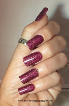 #Gorgeous #mani on Diane Graham's custom-fit #nails! Follow her at http://pinterest.com/simmi5/ and get your own set of beautiful and everlasting custom-fit nails at http://www.customnailsolutions.com/