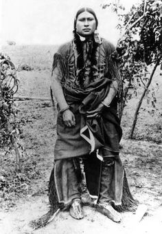"thebigkelu: ""Outdoor standing portrait of an unidentified Native American Comanche man - "" Native American Pictures, Native American Wisdom, Native American Beauty, Native American Tribes, Native American History, American Indians, Native Americans, American Art, Indian Pictures"