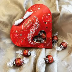 Share the #LINDORmelt with your favorite gal pals this #GalentinesDay! This LINDOR Friendship Heart is sure to bring a smile to your BFF.