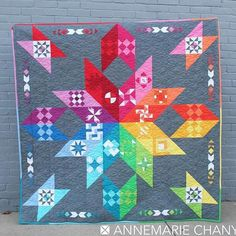 I'm head over heels in love with this quilt by @annemarie.chany, one of our 2017 QP designers