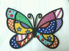 Puntillismo Butterfly Mosaic, Dragonfly Art, Butterfly Crafts, Vintage Butterfly, Arte Country, Pintura Country, Stained Glass Patterns, Mosaic Patterns, Rock Design