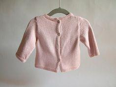 Jersey bebé rosa talla 3 meses, tejido a mano con hilo elástico de excelente calidad especial para el verano y la primavera.  Cuidados
