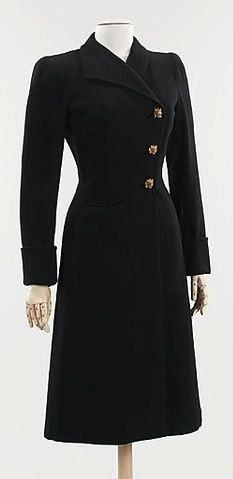 1940 Elsa Schiaparelli  The Metropolitan Museum of Art