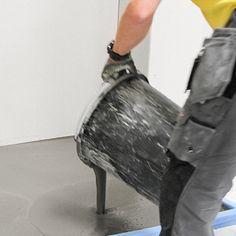 Med våre gulvprodukter trenger du aldri være i tvil. Alle holder høy teknisk kvalitet og tåler gulvvarme. De er dessuten lette å jobbe med, brukervennlige og vannskadestabile. Vi har et stort utvalg av sementbaserte og pumpbare avrettingsmasser, og de fungerer på en rekke underlag, blant annet betong, lettbetong, stein og keramikk.