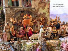 Scene del presepe della Società Operaia di Mutuo Soccorso per il Natale a Sorrento e per il Capodanno a Sorrento. Per approfondimenti vai a: http://www.ilmegliodisorrento.com/2010/12/scene-di-natale-all%E2%80%99-ombra-del-sedil-dominova-un-magnifico-presepe-4/