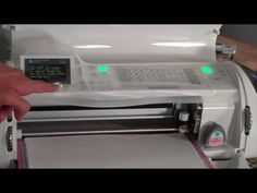 Great Video! WATCH before using Cricut Cake machine.