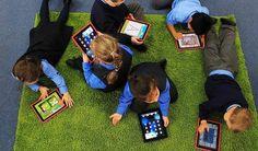 Smartphones e tablet: uso eccessivo, dannoso soprattutto fra i bambini! Cliccate sull'immagine e leggete l'articolo per documentarvi ! #familyhoteltrentino #family #famiglia #vacanzeinfamiglia #naturatrentina #trentino #kids #smartphones #tablet