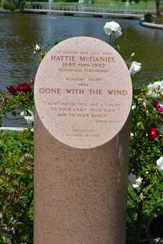 Hattie Mcdaniel, Famous Graves, Gone With The Wind, Carpe Diem, Historic Homes, Monuments, Famous People, Sunday, Celebrity