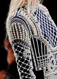 """Blog Le Style NAF NAF. Artículo """"Perlas, objeto de estilo eterno."""" http://blog.nafnaf.com.co/archive"""