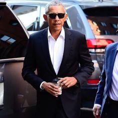 #noreason #justbecause . . . . . . . . . .#obamalove #loveobama #fucktrump #love #lovetrumpshate #obama #donaldtrump Obama, Donald Trump, Bring It On, Suit Jacket, Celebrities, Dutch, People, Jackets, Van