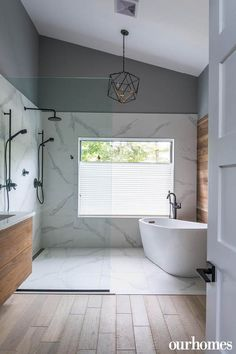 Bathroom decor for your master bathroom renovation. Learn master bathroom organization, bathroom decor suggestions, bathroom tile tips, master bathroom paint colors, and much more. Big Bathtub, Bathtub In Shower, Shower Heads, Walk In Shower Bath, Big Shower, Dream Shower, Black Shower, Tub Shower Combo, Large Shower
