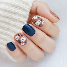 you should stay updated with latest nail art designs, nail colors, acrylic nails, coffin… - accentnails Latest Nail Art, Trendy Nail Art, Nail Art Diy, Diy Art, Navy Nail Art, Hair And Nails, My Nails, Polish Nails, Prom Nails