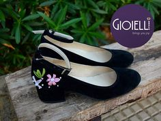 Handmade embroidered black suede shoe. Super cute floral and lovely. GIOIELLI SHOE