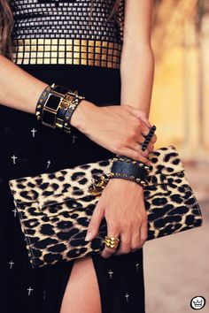 FashionCoolture 26.01.2013 - look du Jour Labellamafia body tachas Kafé spikes bracelets Timeless cross skirt  (7)