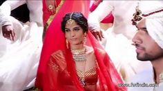 Shraddha Kapoor Walks the Ramp for Rohit Bal Fashion Show