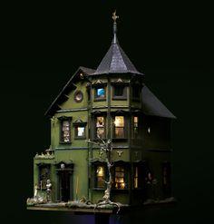 Pollyanne Hornbeck's Haunted Dollhouse   The Kit Kraft