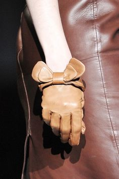 Leather Trends: leather gloves