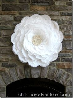 DIY- Large Coffee Filter Flower~ fun for packages, party decorations, wreaths, etc. I'm sorry this still looks like a bunch of coffee filters! Coffee Filter Crafts, Coffee Filter Flowers, Coffee Filters, Coffee Crafts, Flower Crafts, Diy Flowers, Paper Flowers, Giant Flowers, Flower Diy