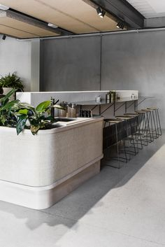 Gorgeous Home Bar And Coffe Table Design Inspirations Bar Interior, Retail Interior, Hotel Restaurant, Restaurant Design, Modern Restaurant, Commercial Interior Design, Commercial Interiors, Cafe Bar, Coffe Table Design