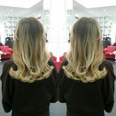 #hair #cabello #sunkissed #besosdesol #axelsunkissed #axelbesosdesol #hairdresser #hairstylist #estilista #peluquero #Panama #pty #pty507 #picoftheday #mirrorphoto #multiplaza #axel04