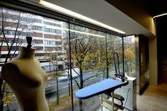パリジャンに縫製も見せるブティックへ|日経BP社 ケンプラッツ