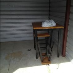 10x10. Table, Chairs, Misc Items. #StorageAuction in Memphis (141). Ends Apr 13, 2016 11:00AM US/Eastern. Lien Sale.
