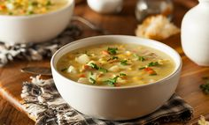 An iconic summer soup, corn chowder is too often overly rich with bacon and quantities of butter, cream, or half-and-half, plus the added glycemic load of potatoes Crock Pot Recipes, Corn Soup Recipes, Best Soup Recipes, Crock Pot Soup, Slow Cooker Recipes, Crab Recipes, Crockpot Meals, Easy Recipes, Chicken And Sweetcorn Soup