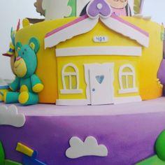 A boneca dela magrela... Mora em uma casa Amarela... #bonecoeboneca #bita