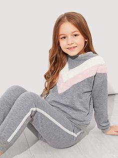 To find out about the Girls Faux Fur Chevron Top & Pants Set at SHEIN, part of our latest Girls Two-piece Outfits ready to shop online today! Fur Fashion, Fashion Kids, Fashion Clothes, Fashion Outfits, Sporty Fashion, Fashion Women, Winter Fashion, Fashion Trends, Girls Belts