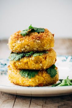 Vegetarisch gpurmetten Food Facts, Salmon Burgers, Food Inspiration, Hamburger, Bbq, Veggies, Vegetarian, Ethnic Recipes, Kitchen