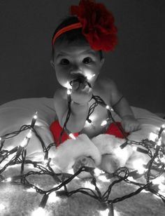 49 Trendy baby first christmas pictures diy First Christmas Photos, Xmas Photos, Xmas Pictures, Babys 1st Christmas, Baby Pictures, Newborn Christmas Pictures, Time Pictures, Babys First Pictures, Christmas Ideas