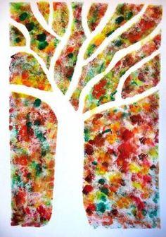 Podzimní strom - otisky kolem šablony stromu