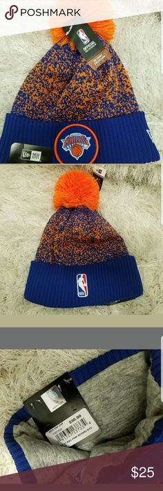 New Era New York Knicks NBA 17 Men's Knit Hat Cap New Era New York Knicks NBA 17 Men's Knit Pom Beanie Hat Cap Black/Grey/Gold  Brand new with tags  Knicks logo shines in the light, looks great!  Shell:100% Polyester Lining:86% Acrylic/9% Wool/5%Spandex  Product Dimensions: 8.9 x 8.9 x 1.57 in  All items are packaged with care   Thanks for looking! New Era Accessories Hats
