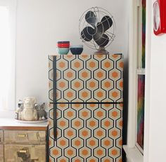 Decorating ideas using wallpaper   How About Orange