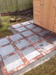Mounting a Block or Paver Walkway – Outdoor Patio Decor Cheap Patio Pavers, Paver Walkway, Small Backyard Patio, Backyard Patio Designs, Concrete Patio, Diy Patio, Backyard Landscaping, Landscaping Ideas, Walkways