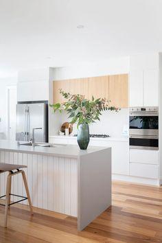 Kitchen Room Design, Modern Kitchen Design, Kitchen Layout, Interior Design Kitchen, Timber Kitchen, Modern Kitchen Cabinets, Kitchen Living, New Kitchen, Earthy Kitchen