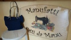 Borsa filato Mirtilla eseguita ad uncinetto, con manici in pelle