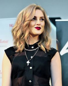 Perrie edwards>> is it just me did dyed hair comment below if u believe me