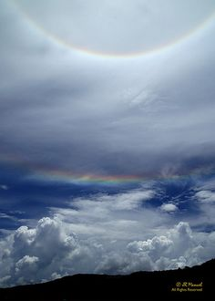 JR Manuel:This was a complete surprise. I shot it in RAW because I haven't seen anything like this. Looks like an upsidedown rainbow.