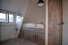 Kajuitbed steigerhout - Friesche gracht, Harderwijk